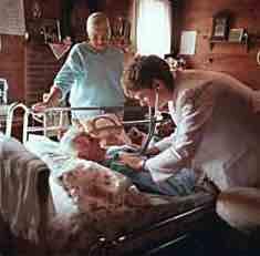 sml-sq-doctor-beside-elderly-patient